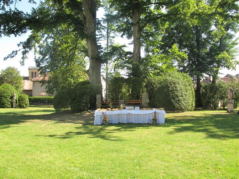 Apéritif de mariage dans les jardins
